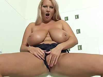 Busty Laura Shower Fun - Laura orsolya
