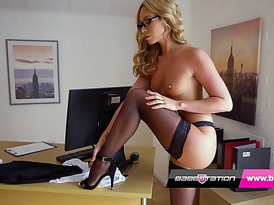 Sexy scrimshaw strip tease with British pornstar Natalia Forrest
