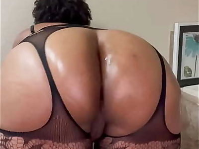 Thicc BBW Pussy & Ass Poppin'