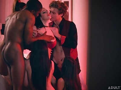 Broad in the beam tittied milf Angela White takes cumshots on pair after group sex