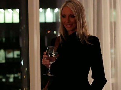 Tonight's Girlfriend: Emma Starr