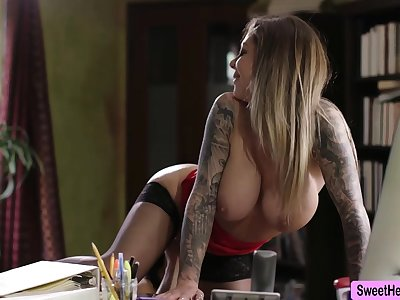 Perforate Baker caught her Lady Boss Karma masturbating