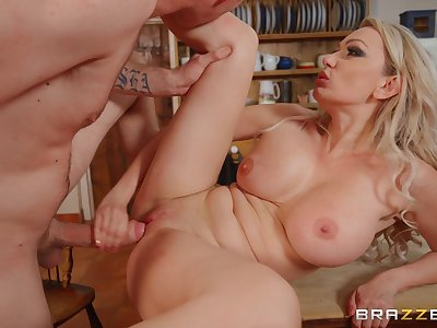Comme ci take effect mom goes slutty down a serious hard doze on cam