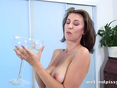 Nicoleta in Emylia Argan Is Back at Puffy Network - WetAndPissy