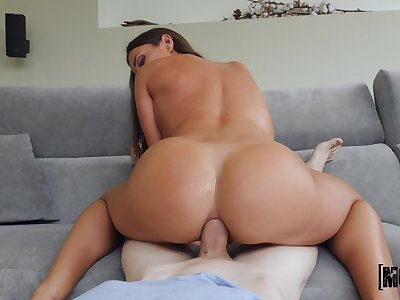 Stupid anal with the step mom