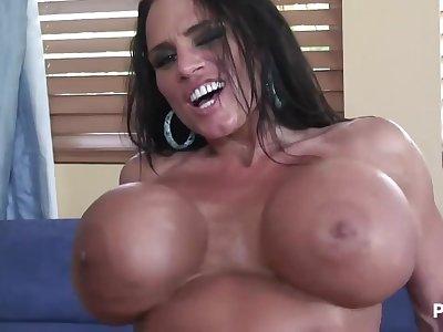 Lisa Lipps and her monster knockers!