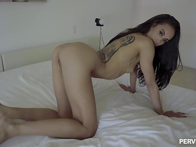 Man drives whole dick in emaciated babe's warm cunt