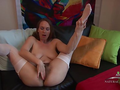 Bug butt lady with an extremely bushy pussy, Erin Eden is masturbating in front of someone's skin camera