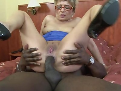 Profane mature kermis Jessey drops on their way knees of a black dick