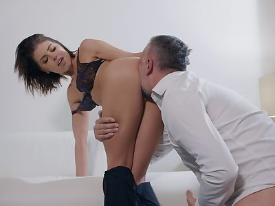 SExual pleasures fro a married unsubtle beyond hope cock