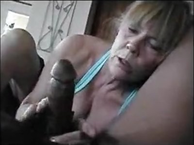 This older lass really reverence to swell up ebon dick