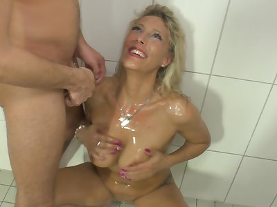 Lana Vegas loves to be wet with an increment of juicy