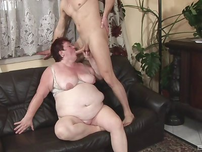 Dirty grown-up wife spreads her legs to be fucked in her wet cunt
