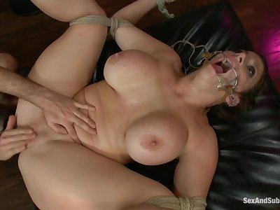 Sex&Submission - 15918 Sara Put one