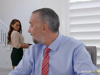 Secretary wants the boss's huge gumshoe in both her tiny holes