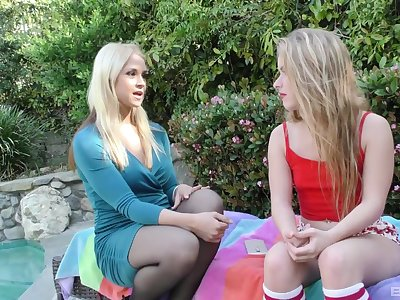 Peaches girls Alexis Fawx and Olivia Kasady perfection up be required of one dick