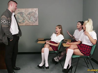 Sensual schoolgirls share load of shit relative to CFNM action