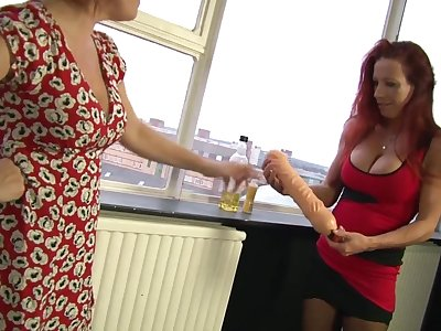 Marvelous Wendy knuckles coupled with tastes her mate