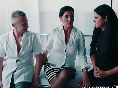 Dacada and Mariska share a big dick
